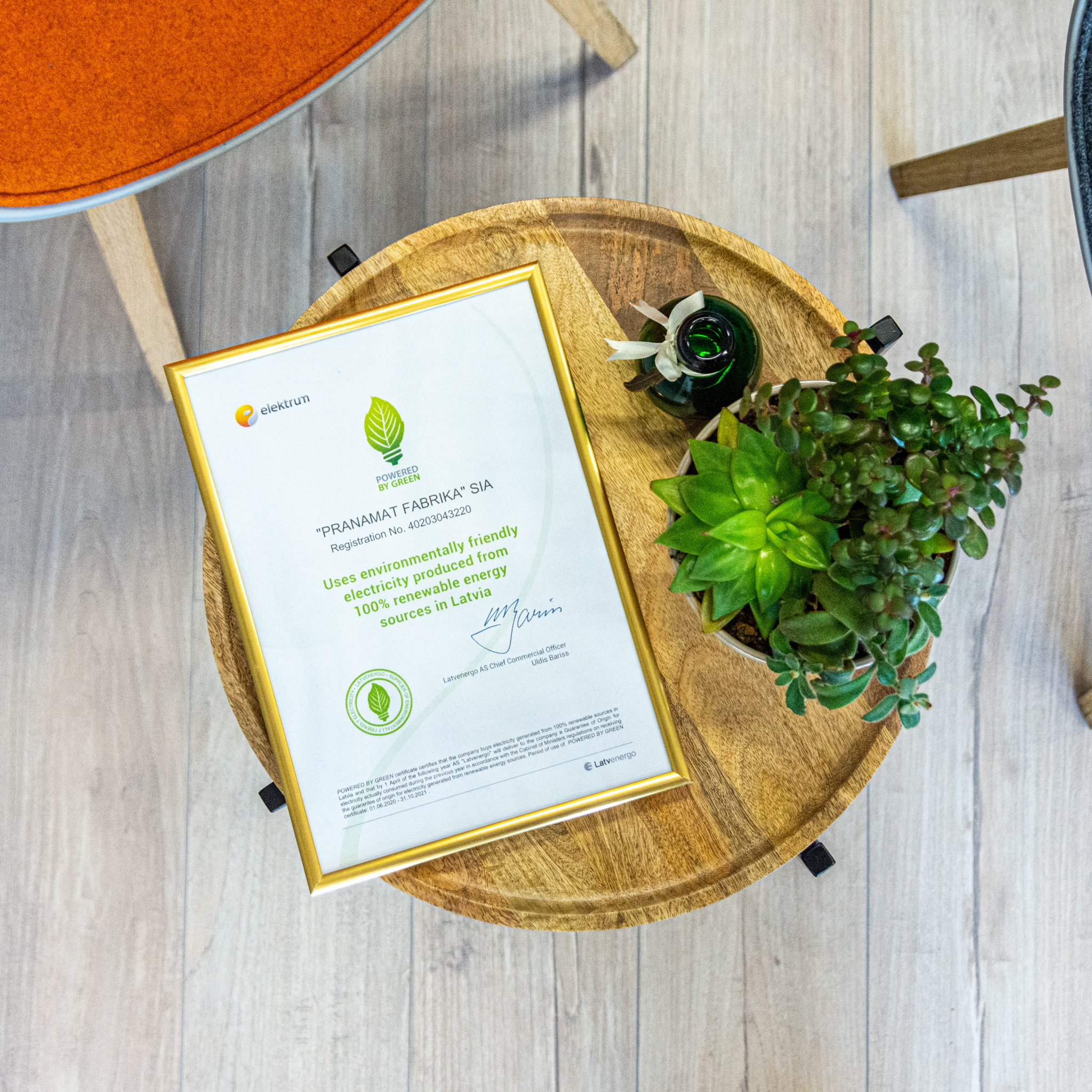 Handbuch aus Recyclingpapier